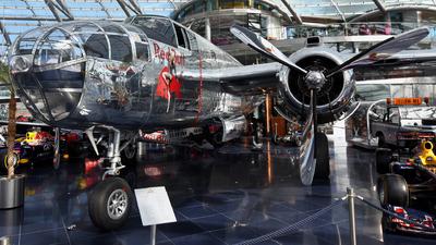 N6123C - North American B-25J Mitchell - The Flying Bulls