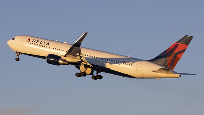 A picture of N190DN - Boeing 767332(ER) - Delta Air Lines - © Jeremy D. Dando