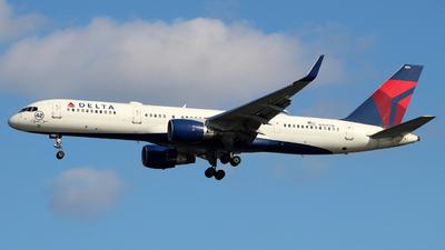 N709TW - Boeing 757-2Q8 - Delta Air Lines
