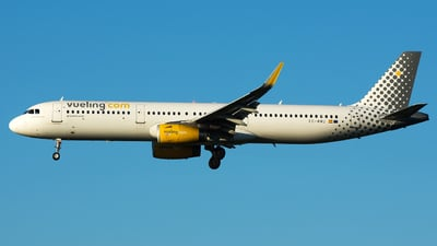 EC-MMU - Airbus A321-231 - Vueling Airlines