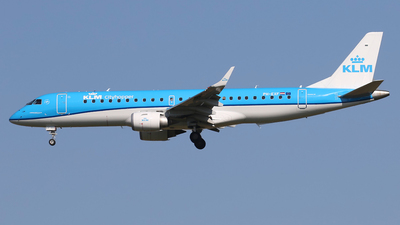 A picture of PHEXF - Embraer E190STD - KLM - © Nigel Fenwick