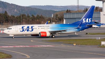 LN-RGI - Boeing 737-86N - Scandinavian Airlines (SAS)