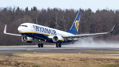A picture of EIEVT - Boeing 7378AS - Ryanair - © Julian S.