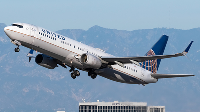 A picture of N68453 - Boeing 737924(ER) - United Airlines - © Ricky Teteris