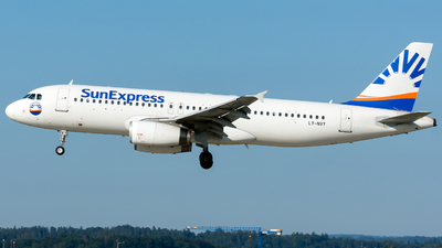 LY-NVY - Airbus A320-232 - SunExpress (Avion Express)