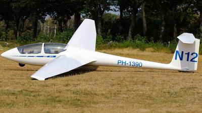 PH-1390 - Schleicher ASK-21 - Aero Club - Nistelrode
