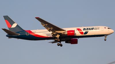 A picture of VQBUP - Boeing 76733A(ER) - Azur Air - © Arman Haliloglu