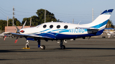 N592MG - Epic LT - Private