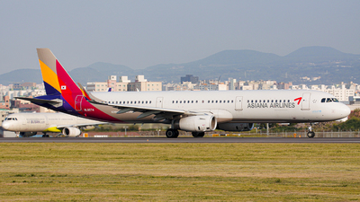 A picture of HL8074 - Airbus A321231 - Asiana Airlines - © Park Hyeon Jae