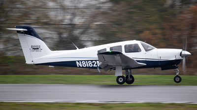 A picture of N8182M - Piper PA28RT201 - [28R8018058] - © CChuang