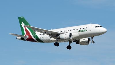 A picture of EIIMG - Airbus A319112 - Alitalia - © Este_Aranda