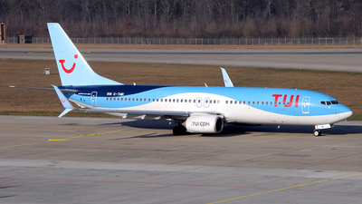 A picture of GTAWI - Boeing 7378K5 - TUI fly - © Paul Denton