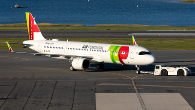 A picture of CSTXF - Airbus A321251NX - TAP Air Portugal - © OCFLT_OMGcat