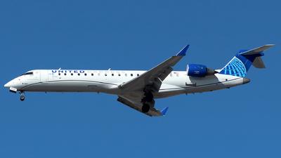 A picture of N502GJ - Mitsubishi CRJ550 - United Airlines - © Lorenzo P