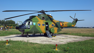 40 - IAR-330L Puma - Romania - Air Force