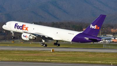 A picture of N789FD - Boeing 757222(SF) - FedEx - © Jake Oesterreich