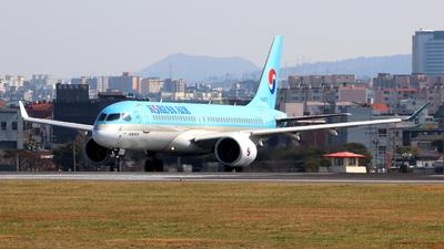 A picture of HL8313 - Airbus A220300 - Korean Air - © Park geon u