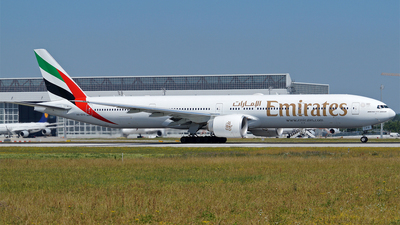 A6-EPV - Boeing 777-31HER - Emirates