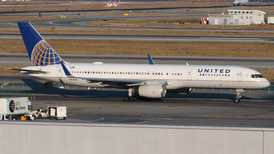 A picture of N41140 - Boeing 757224 - United Airlines - © SEN BAI