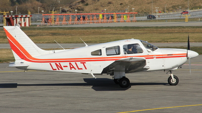 LN-ALT - Piper PA-28-181 Archer II - Private