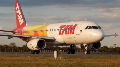 PT-MZG - Airbus A320-232 - TAM Linhas Aéreas