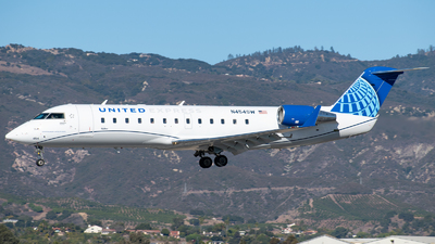 A picture of N454SW - Mitsubishi CRJ200LR - United Airlines - © Beck Ramsey