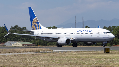 A picture of N77518 - Boeing 737824 - United Airlines - © Ariel Castillo Morales