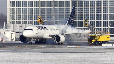A picture of DAINM - Airbus A320271N - Lufthansa - © Naumi