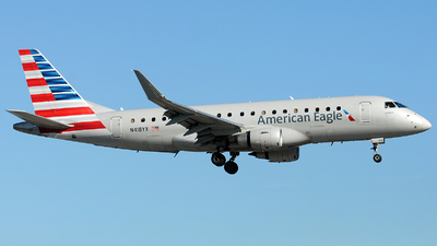 A picture of N418YX - Embraer E175LR - American Airlines - © Alexander Portas