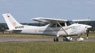 SP-KHO - Cessna 182Q Skylane II - Private