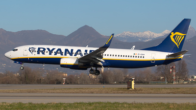 A picture of EIEKH - Boeing 7378AS - Ryanair - © Roberto Bianchi