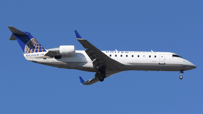 A picture of N434AW - Mitsubishi CRJ200LR - United Airlines - © DJ Reed - OPShots Photo Team