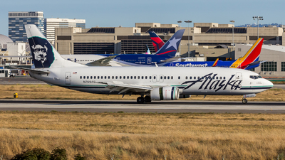 A picture of N769AS - Boeing 7374Q8 - [25103] - © Randall Munro