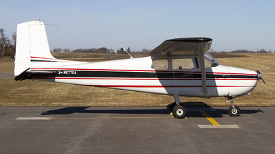 N5775A - Cessna 172 Skyhawk - Private