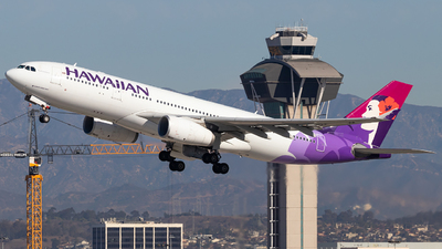 A picture of N378HA - Airbus A330243 - Hawaiian Airlines - © Wes Loeffler