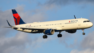 N364DX - Airbus A321-211 - Delta Air Lines