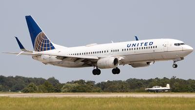 N27239 - Boeing 737-824 - United Airlines