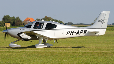 PH-APW - Cirrus SR20-GTS - Private