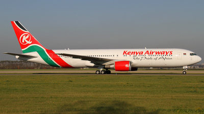 5Y-KYW - Boeing 767-319(ER) - Kenya Airways