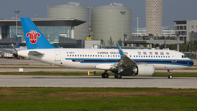 B-30FX - Airbus A320-251N - China Southern Airlines