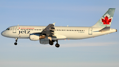 C-GQCA - Airbus A320-211 - Air Canada Jetz