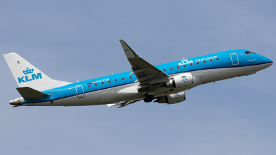 A picture of PHEXR - Embraer E175STD - KLM - © Alexander Jeglitsch