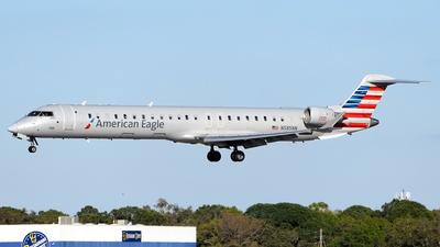 A picture of N585NN - Mitsubishi CRJ900LR - American Airlines - © Doug Marsh