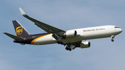 A picture of N304UP - Boeing 76734AF(ER) - UPS - © PENCIL202_