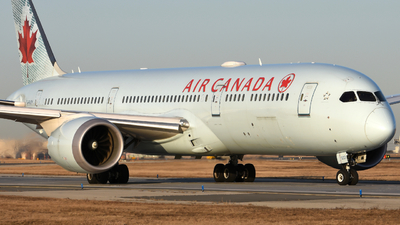 A picture of CFNOH - Boeing 7879 Dreamliner - Air Canada - © Aaron Miles