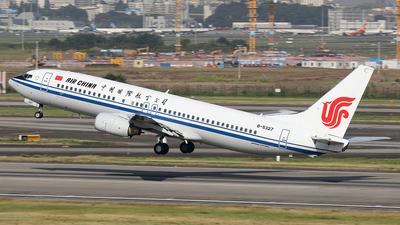 B-5327 - Boeing 737-86N - Air China