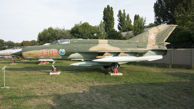 9309 - Mikoyan-Gurevich MiG-21MF Fishbed J - Hungary - Air Force