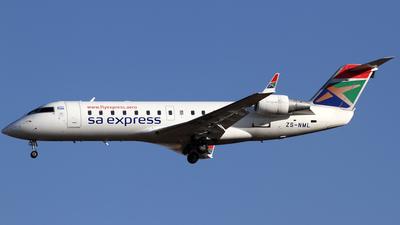 A picture of ZSNML - Mitsubishi CRJ200ER - [7201] - © Philipp Schuetz