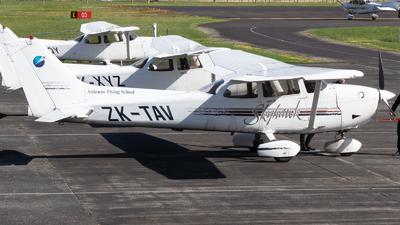 ZK-TAV - Cessna 172R Skyhawk II - Ardmore Flying School