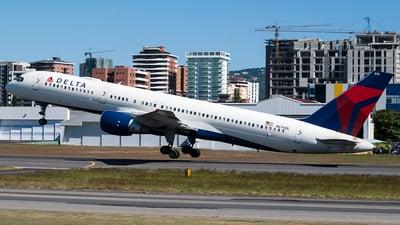 N676DL - Boeing 757-232 - Delta Air Lines